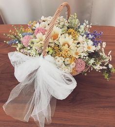 バスケットにお花を詰め込んだ、《かごブーケ》のデザインまとめ*   marry[マリー]