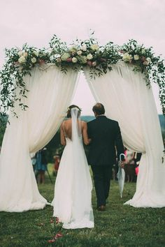 This Couple's Rainy Wedding Day at Castleton Farms is Too Pretty for Words The Image Is Found-30