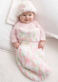 Follow this free knit pattern to create a baby cocoon