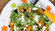 Butternut and blue cheese are the perfect partners – try this delicious combination of the two in a warm salad! Blue Cheese Salad, Blue Cheese Dressing, Roast Recipes, Salad Recipes, Healthy Recipes, Yummy Recipes, Feta Salad, Caprese Salad, Pumpkin Salad
