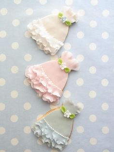 Ruffled, pastel, absolutely beautiful dress cookies. #wedding #bridal_shower #cookies