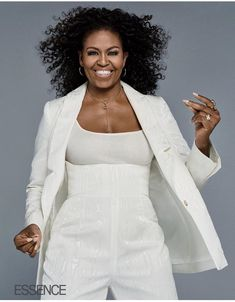"""2018 - Michelle Obama I'm not going to lie: It wasn't always easy for me."""" Michelle Obama spoke TRUTH in the issue of ESSENCE. Michelle Et Barack Obama, Michelle Obama Quotes, Barack Obama Family, Michelle Obama Fashion, Obamas Family, Durham, Curly Hair Styles, Natural Hair Styles, Natural Curls"""