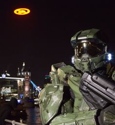 Halo 4 glyph lights up London