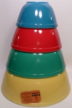 Unused Vintage Pyrex Primary Colors Nesting Mixing Bowls 4 PC Set New in Box | eBay sold for $425.00