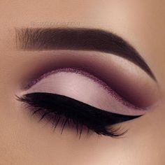Matte eye makeup with a pink glitter line - LadyStyle