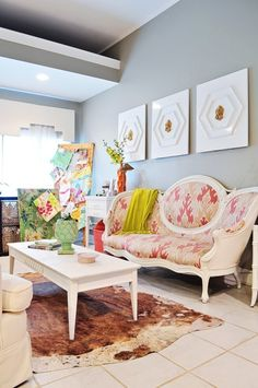 Deidre's Kismet Designer Digs House Tour.  Lot's of ideas from this piece on Apartment Therapy.