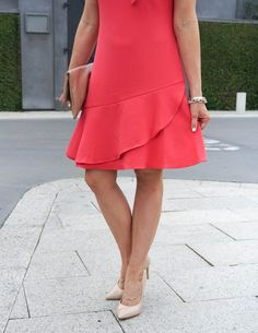 Spring Fashion | Coral Ruffle Hem Dress | Gold Bracelet Set | Houston Fashion Blogger Lady in Violet #springfashion #rufflehemdress #goldbracelet #summerstyle #outfitideas