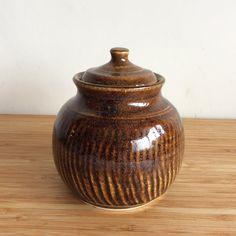 // pottery / ceramics // tenmoku, stoneware