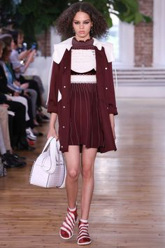 Valentino Resort 2018 Fashion Show - Hiandra Martinez