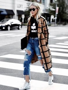 Lavish Alice Camel Oversized Check Boyfriend Coat, Distressed Cropped Jeans, Golden Goose White High Top Sneakers Chill Outfits That Look Great With Coats Street Wear for Women Chill Outfits, Swag Outfits, Casual Outfits, Fashion Outfits, Womens Fashion, Fashion Trends, Summer Outfits, Tomboy Outfits, Winter Outfits