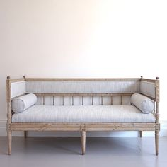 Extraordinary Gustavian Sofa in Original Colour-georgia-lacey-antiques-Antique Swedish Gustavian Sofa 2_main_636275086518975113.jpg