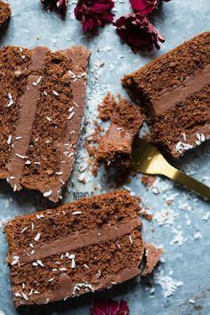Barnevennlig sjokoladekake i brødform - Ida Gran Jansen Sweets, Baking, Eat, Chocolate Cakes, Recipes, Food, Gummi Candy, Candy, Bakken