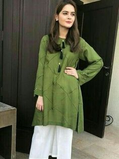 Beautiful Hijab Style For Wedding 2018 In Different Design Stylish Dresses For Girls, Stylish Dress Designs, Designs For Dresses, Simple Dresses, Casual Dresses, Fashion Dresses, Pakistani Formal Dresses, Pakistani Fashion Casual, Pakistani Dress Design