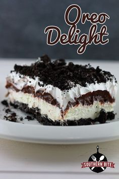 Oreo Delight – One of my all-time favorite desserts! Oreo Delight – One of my all-time favorite desserts! Desserts Nutella, Oreo Dessert Recipes, Brownie Desserts, Mini Desserts, Easy Desserts, Delicious Desserts, Yummy Food, Pudding Desserts, Marshmallow Desserts