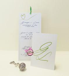 Partecipazione di nozze con cuore e iniziali color verde pastello stampati su carta perlata per i nostri sposi Giuseppe&Laura