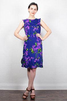 Vintage 70s Dress Mini Dress Ruffle Bib Sundress Purple Floral Print Hippie Dress Babydoll Dress 1970s Dress Boho Festival Dress M Medium L #1970s #70s #etsy #vintage #hippie #floral #ruffle #hippie #mini #sundress