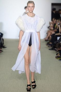 Giambattista Valli Spring 2014 Ready-to-Wear Collection Slideshow on Style.com