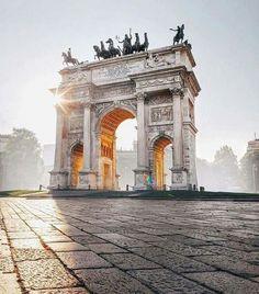Milanese majesty. Photo by Simone Bramante Photography.