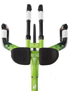 Green Cervelo TT cockpit