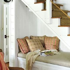 65 Wonderfully cozy reading nooks for book lovers! (image via My Home Ideas)