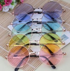 Candy Colored Circle Sunglasses John Lennon Inspired Retro So Kawaii Babe! Circle Glasses, Cute Glasses, Glasses Sun, Round Frame Glasses, Men In Glasses, Glasses Outfit, Glasses Style, Lila Outfits, Sunglasses For Your Face Shape