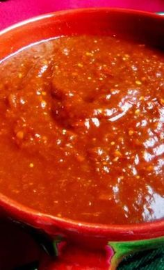 Salsa Ranchera prepared with chile de arbol. You could prepare this recipe using a few jalapeños for a milder version of the salsa. Serve with chips or as a garnish for your favorite Mexican food. Mexican Salsa Recipes, Mexican Dishes, Hot Salsa, Mild Salsa, Chutneys, Restaurant Salsa, Ketchup, Dressings, Chicken Tamales