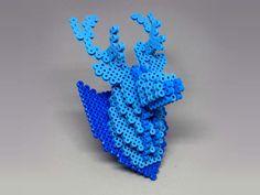 3D Deer Head Perler Bead Wall Decor by MIZGVUSdesigns - Pattern: https://de.pinterest.com/pin/374291419012759929/