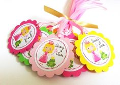 #cpromo Planning for a Princess birthday party for your little girl? This is a set of 12 adorable Princess and Frog favor tags, personalized just for her. The pretty Princess is holding her heart wand and accompanied by the frog Prince. So cute!  Personalization is available in 3 ways: * choose the Prince