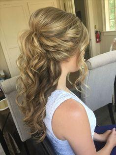 Half-Up Half-Down Wedding Hair http://eroticwadewisdom.tumblr.com/post/157384978092/hot-and-sexy-medium-hairstyles-for-round-faces #WomenHairstylesMedium