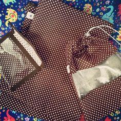 Kit para viagem: porta lingeries + saquinho plastificado + carteirinha plastificada! #encomendas #encomendapronta #poas #rosa #marrom #elefantes #viagem #kit #kitviagem #feminino #acessorios #produtos #lojavirtual #verao #saquinhos #lingeries #portalingerie #carteirinha #carteiras