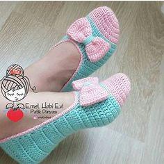 Crochet Short - Vestidos Para Niñas Y Be Crochet - Diy Crafts - mokokos Diy Crafts Crochet, Cute Crochet, Beautiful Crochet, Crochet Baby, Crochet Projects, Crochet Boots, Crochet Clothes, Crochet Slipper Pattern, Crochet Patterns