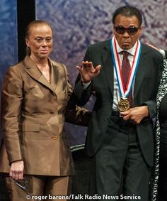 Muhammad Ali 2012 | Muhammad Ali Awarded 2012 Liberty Medal in Philly (9/13/12) | Flickr ...
