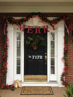 Christmas front porch at 11 Magnolia Lane-I need a header over my front door for garlands