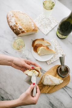 Cheese, Bread and Wine Good Food, Yummy Food, Easy Party Food, Wine Cheese, Food For A Crowd, Wine Recipes, Cravings, Foodies, Delish