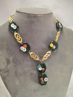 VINTAGE NECKLACE GOLD PLATED UNIQUE LINKS GREEN MILLEFIORI GLASS BEADS