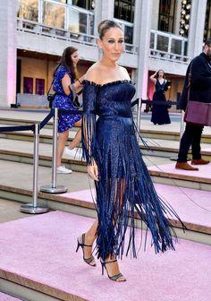 Celebrity Dresses, Celebrity Style, Newspaper Dress, Sarah Jessica Parker, Prabal Gurung, Her Style, Nice Dresses, Formal Dresses, Boho Chic