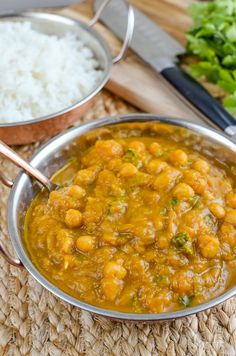 Slimming Eats Butternut Squash Chickpea Curry - dairy free, gluten free, vegan, Slimming World and Weight Watchers friendly Slimming World Vegetarian Recipes, Vegan Slimming World, Slimming Eats, Slimming World Recipes, Raw Food Recipes, Healthy Recipes, Chickpea Curry, Vegan Nutrition, English Food