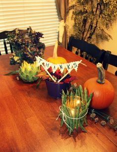 Simple Thanksgiving centerpiece from the Dollar Tree | Savvy Sassy Moms