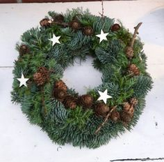 Dørkrans Advent, Christmas Wreaths, Holiday Decor, Crown Cake, Christmas Swags, Christmas Garlands, Advent Wreaths