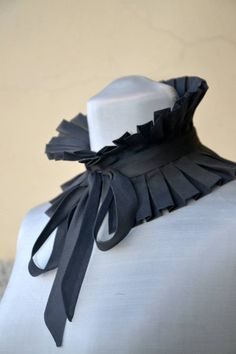 Items similar to Gray Detachable Pleated Collar // Pleated necklace // Collar -scarf // Collar-boa // High Choker on Etsy Neckline Designs, Kurti Neck Designs, Collar Designs, Collar And Cuff, Collar Necklace, Collar Kurti, Sewing Collars, Tailored Fashion, Origami Fashion