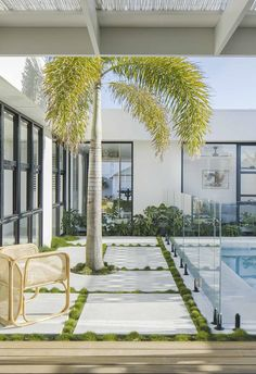 A budget-savvy couple channel Palm Springs vibes and build a home by the sea in northern NSW. Style Palm Springs, Palm Springs Häuser, Urban Garden Design, Spring Aesthetic, Spring Landscape, Pool Fence, Australian Homes, Coastal Homes, Coastal Cottage