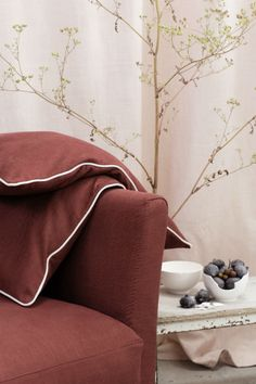 Viscose crisscrosses and interweaves with linen, adding a touch of softness to stylish. #fabric # solo # interior #elitis