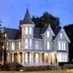 A Fresh Look at Victorian Decor for the 21st Century. LOVE THIS HOME! Victorian style has always intrigued me, but i prefer a modern floor plan. Something built to apear old or have that victorian character, but the open floor plan I like would be so much fun! Just loved this pic :-)