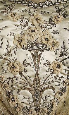 Worth detail 1900