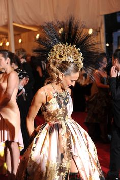 This amazing Philip Treacy headpiece was one of the best things on the carpet all night.