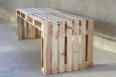 Pallet-furniture-project  simple pallet table or bench...4 pallets
