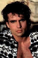 Actors - Jason Patric--son of Jason Miller --Grandson of Jackie Gleason Lost Boys Movie, The Lost Boys 1987, Jason Patric, Jackie Gleason, Famous Men, Hello Gorgeous, Great Hair, Haircuts For Men, Celebrity Pictures