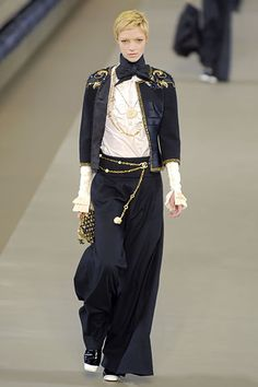 Chanel - Fall 2006 Ready-to-Wear - Look 31 of 53