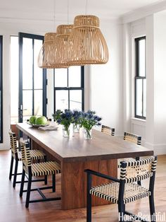 Dining Room With a Graphic Punch.