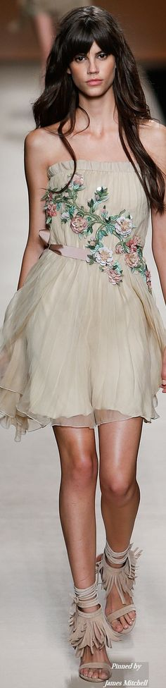 Alberta Ferretti Collection Spring 2015 Ready-to-Wear